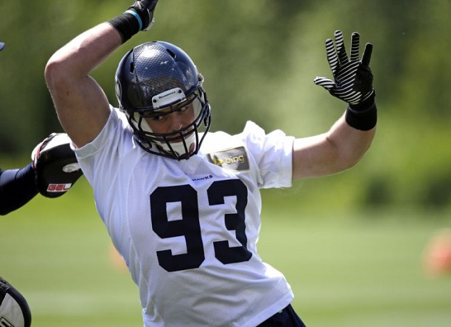 Adham Talaat runs through a drill during Seahawks' rookie camp.
