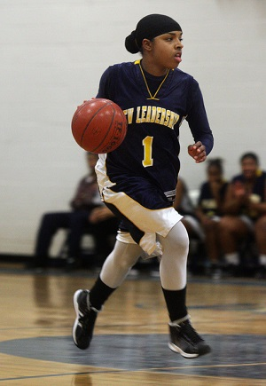 Bilqis Abdul-Qaadir averaged 42 points per game as a high school senior.