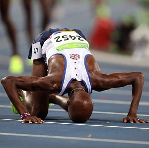 Mo Farah thanks Allah [swt] after another Olympic win.