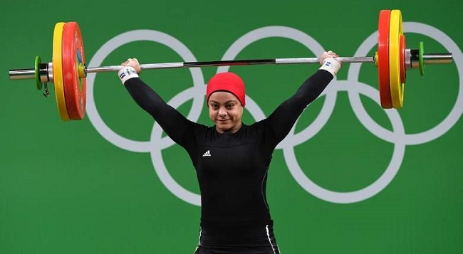 Sara Ahmed of Egypt competes in weightlifting at the Rio Olympics.